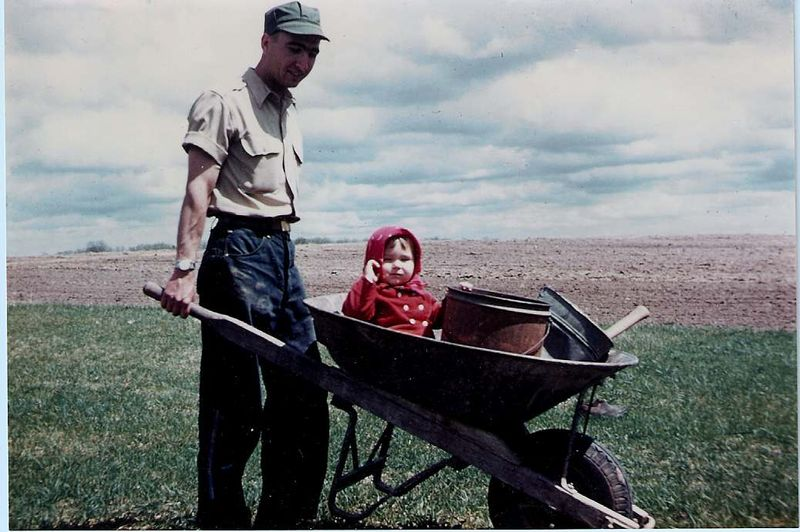 Marty_wheelbarrow_1959